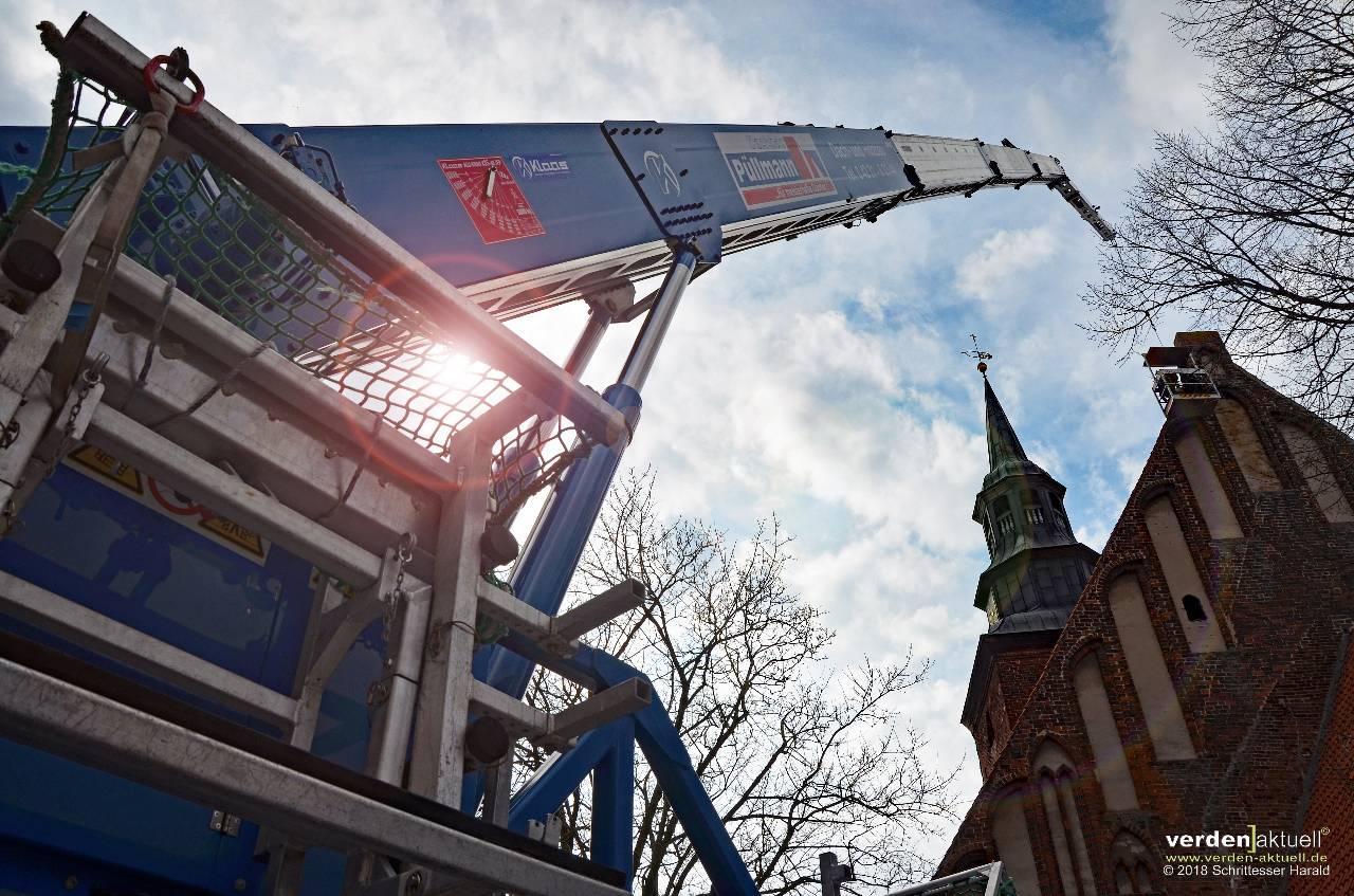 Dachreparatur an der Johanniskirche in Verden (Aller)