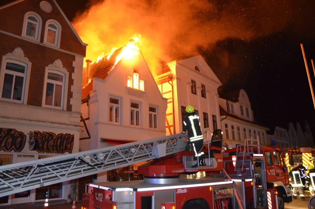 Grossbrand in der Verdener Fußgängerzone – Wohnung und Döner Laden vernichtet