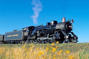 4960 Steam Engine sunflowers Photo Credit Grand Canyon Railway bearbeitet-1