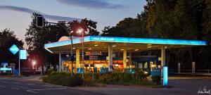 Aral Tankstelle Philip Seppke Nienburger Straße 1 in Verden/Aller - Nachtaufnahme. Juli 2019