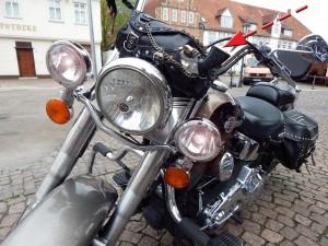 Harley Davidson mit Colt-6