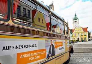Mattfeld Andreas (MdB) mit Oldtimer-Bus zu einer Wahlveranstaltung in Verden auf dem Rathausplatz 21.09.2017