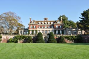 Old Westbury Gardens Westbury House 2 (c) Discover Long Island