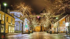 Foap-christmas-street-3470808- Photo Foap