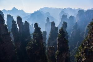 Zhangjiajie Nationalpark Unsplash robynne-pjsrHjXGnVs-unsplash