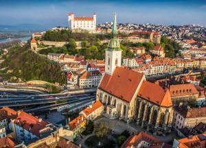 Slowakei Hauptstadt Bratislava Dom Burg