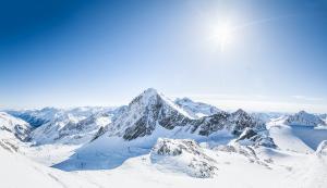 panorama-sonne-c-stubaier-gletscher-andre-schoenherr