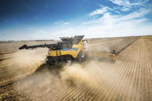 1. Platz New Holland CR10.90