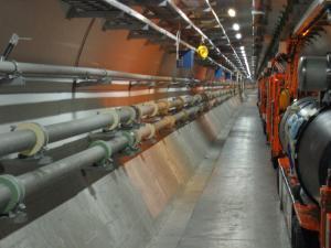 1. Platz Large Hadron Collier