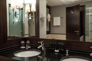 SHR Dresden DeSaxe rooms Suite Badezimmer Amenities 31.07.2019 10.38.53
