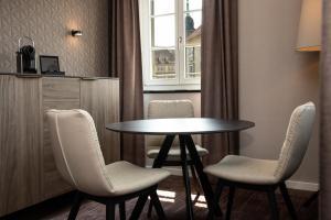 SHR Dresden DeSaxe rooms Suite Essbereich 31.07.2019 10.38.58