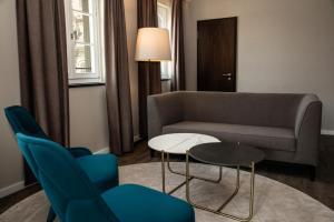 SHR Dresden DeSaxe rooms Suite Wohnbereich