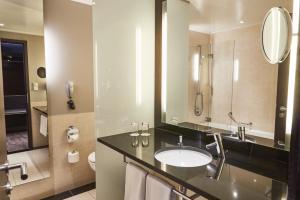 SHR Dresden DeSaxe rooms SuperiorRoom Badezimmer