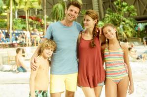 TI Beach-Family-06
