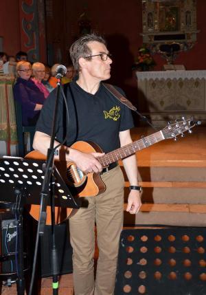 Popchor trifft Kirchenband-47