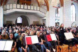 Popchor trifft Kirchenband-60